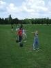 Focitáborozó gyerekek ismerkednek a golffal